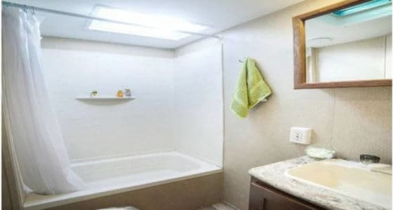 29' Camper Rental Bathroom, Travel Trailer Rental Bathroom, Denver Colorado Camper Rental